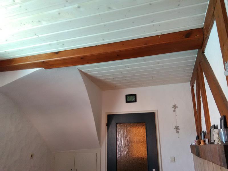 Holzdecken aufhellen mit der Universallauge von FAXE